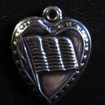 vintage 1980's flag with stars puffy heart charm - warning - this has been repro'd often.